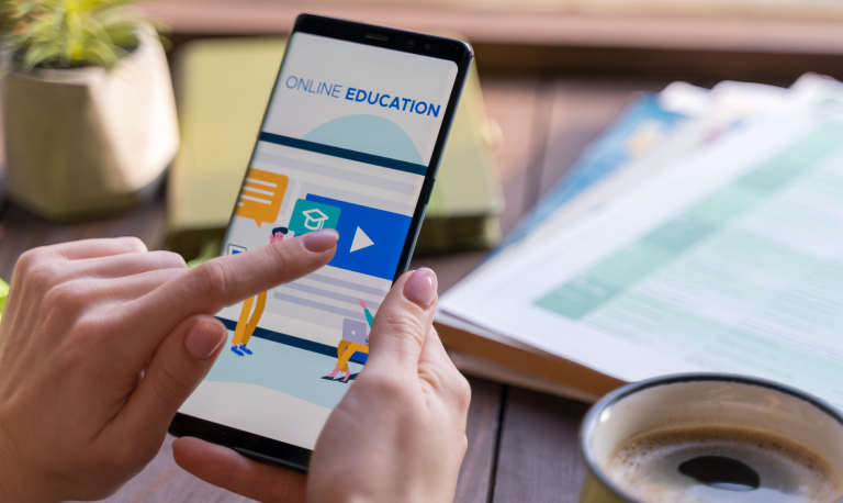 -Develop-Mobile-Apps-and-portals-for-Schools,-Universities-&-Colleges_